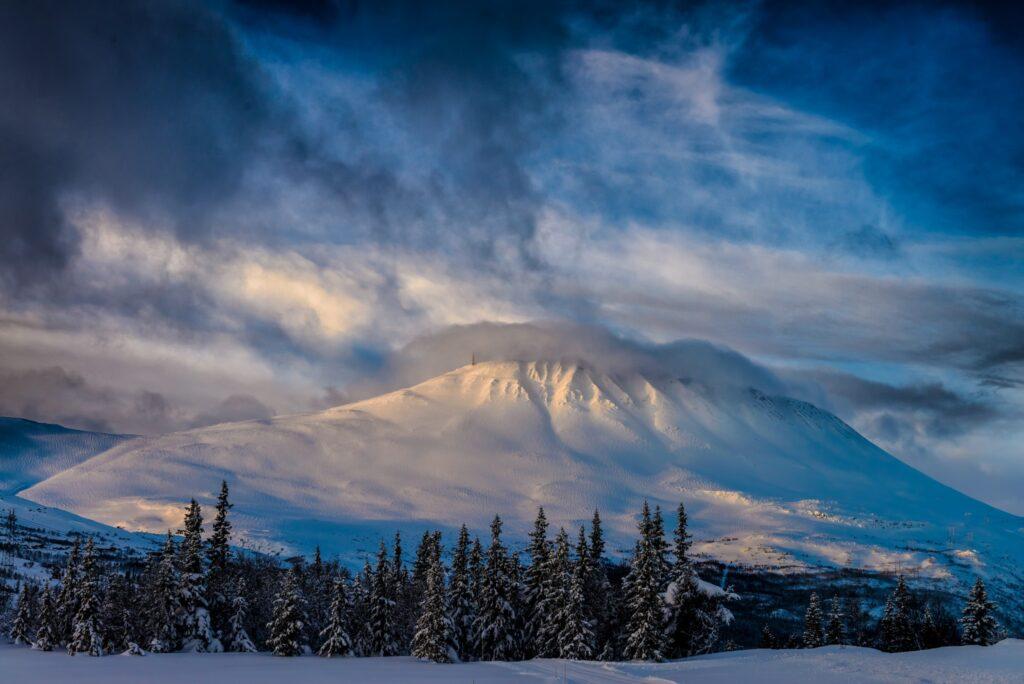 gaustatoppen-i-vinterdrakt-foto-visitrjukan_ian-brodie_053b